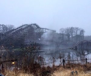 attraction, paysage, and Roller Coaster image