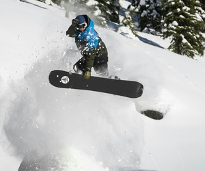 canada, red bull, and snowboarder image