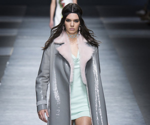 fashion, kendall jenner, and Versace image