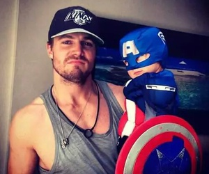 stephen amell, arrow, and captain america image
