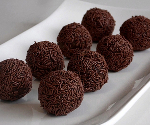 chocolate, food, and brigadeiro image