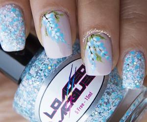 nails and nails fashion image