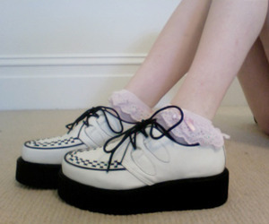 pale, creepers, and shoes image