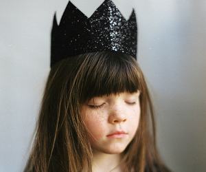 crown, black, and freckles image