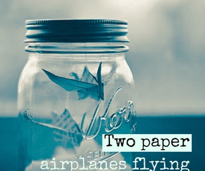 1989, paper airplanes, and Taylor Swift image