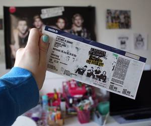 5sos, sounds live feels live, and tour image