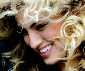 famous, wallpaper, and tori kelly image