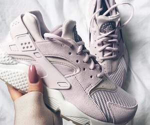 shoes, nike, and huarache image