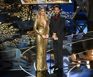 jared leto, oscar, and margot robbie image