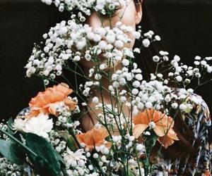 flowers, indie, and orange image