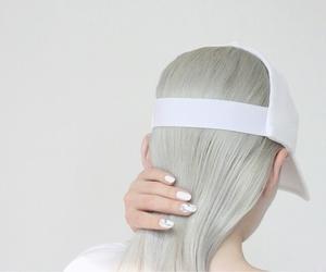 white, aesthetic, and grunge image