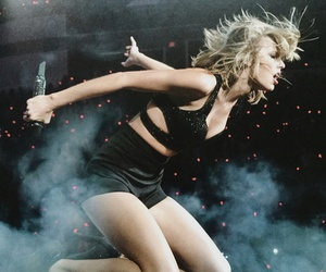 Taylor Swift, 1989, and tour image