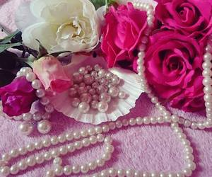 accesories, pearls, and bracelet image
