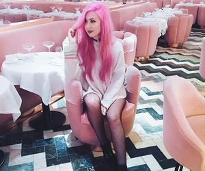 alt girl, dyed hair, and pinkhair image