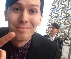 amazingphil, phil lester, and danisnotonfire image