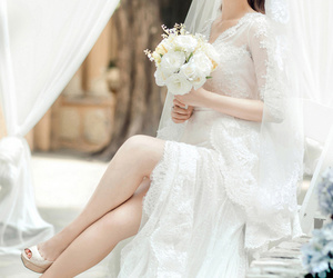 beautiful, bouquet, and glamour image