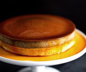 cake, caramel, and sponge cake image