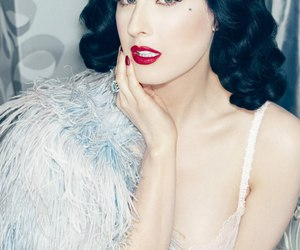 Dita von Teese, burlesque, and Pin Up image