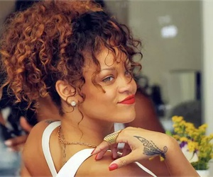 rihanna and curly hair image