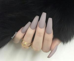 nails matte image