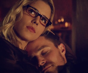 arrow, Felicity, and oliver image