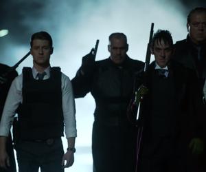 batman, ben mckenzie, and robin lord taylor image