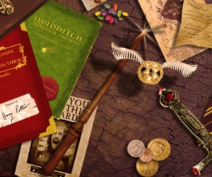 harry potter, libri, and soldi image