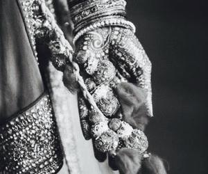 b&w, bride, and henna image