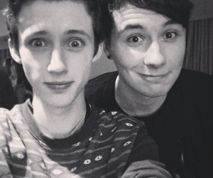 troye sivan, danisnotonfire, and dan howell image