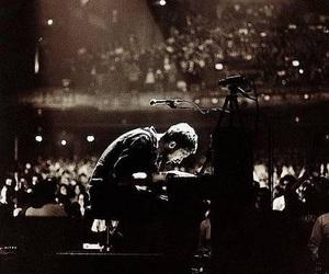Chris Martin, coldplay, and piano image