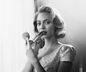 beyoncé, black and white, and Queen image