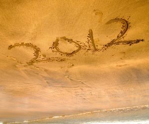 2012 and beach image