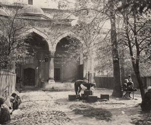 mosque and sarajevo image