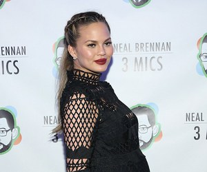 chrissy teigen and dailymail image
