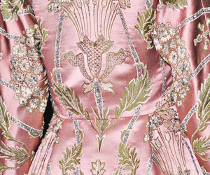 fashion, pink, and Valentino image