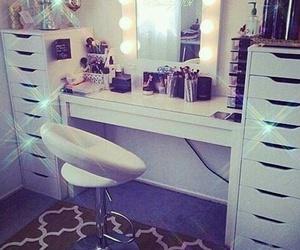 room and makeup image