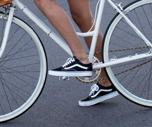 classic, cycle, and fashion image