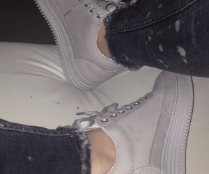 fashion, fillingpieces, and shoes image