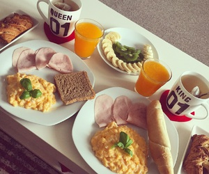 breakfast, couple, and eggs image