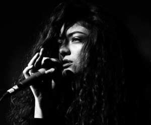 lorde and music image