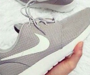 nike, shoes, and nike shoes image