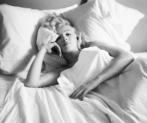 Marilyn Monroe, black and white, and bed image