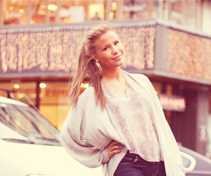 beautiful, girl, and blogger image