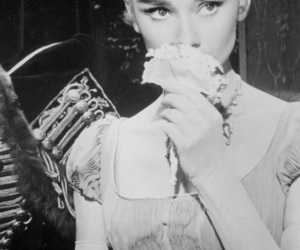 audrey hepburn, funny face, and gorgeous image
