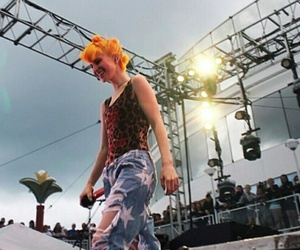 hayley williams, paramore, and parahoy image