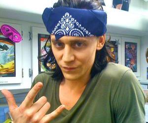 loki, tom hiddleston, and Avengers image