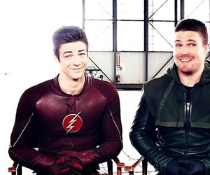 arrow, flash, and serie image