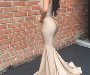 curves, glam, and fashion image