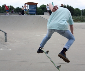 skate, skateboard, and skateboarding image