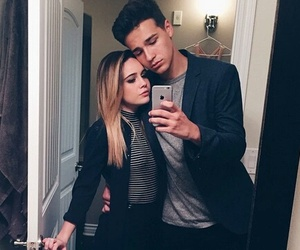 bea and bea miller image
